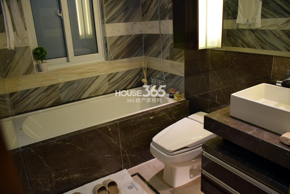 银亿东城C1户型样板间——卫浴