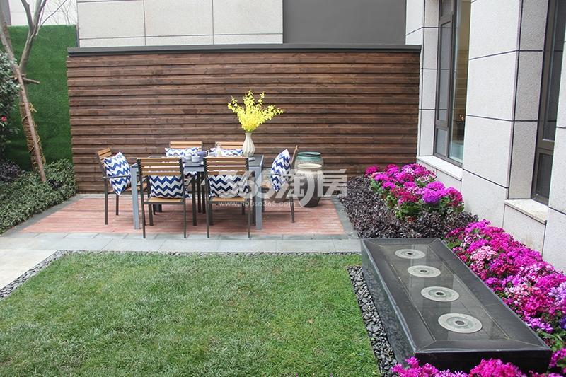 合景映月台E户型170方样板房——庭院花园
