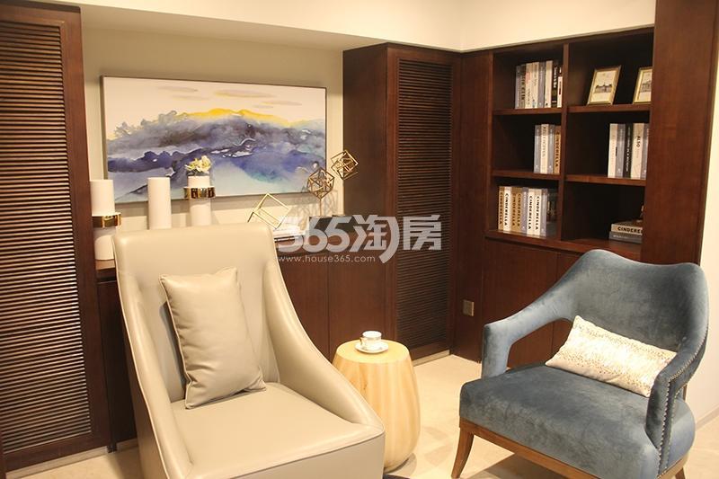 合景映月台E户型170方样板房——书房