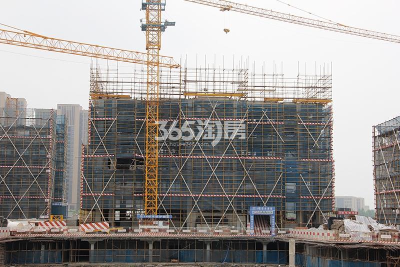 中国铁建西湖国际城洋房施工进程(2017.6)