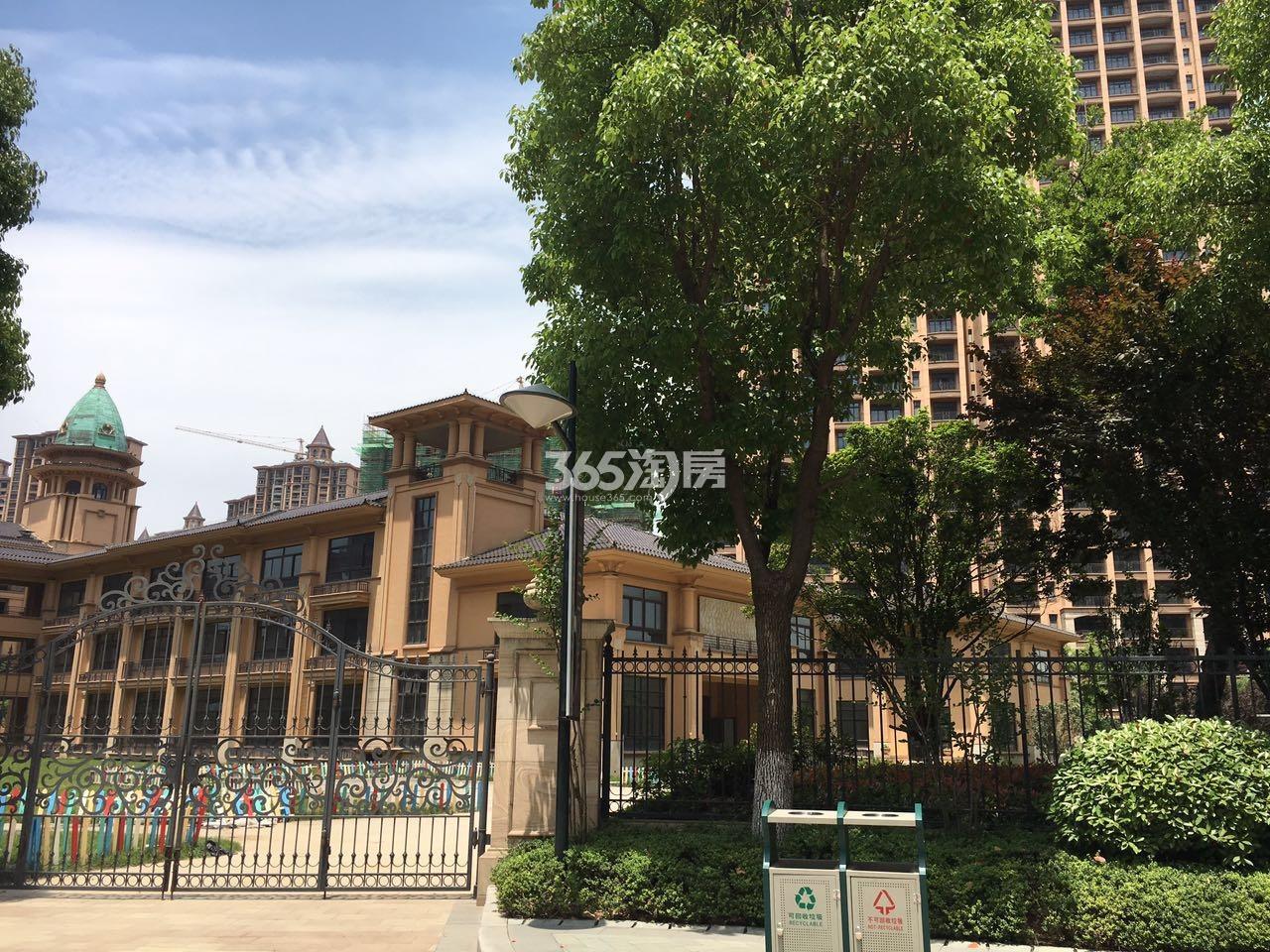 雅居乐滨江国际幼儿园实景图(8.16)